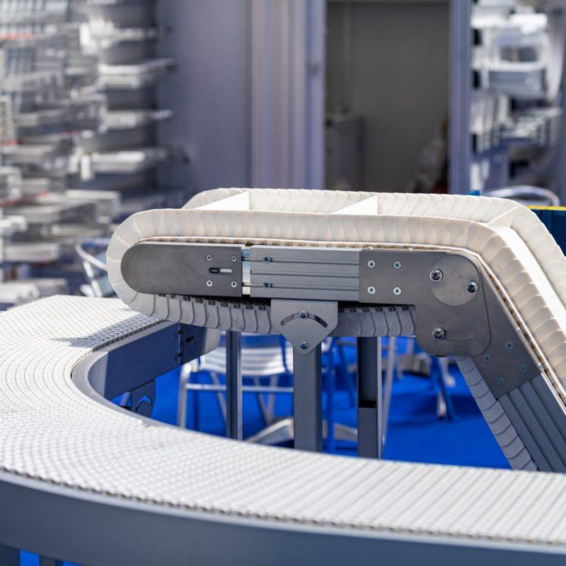 Industrial Manufacturing Conveyor Belt Roller Track System